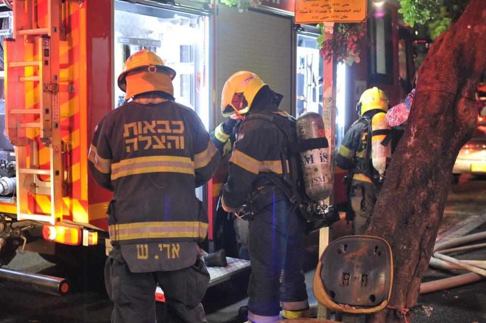 בשריפה במבנה בן שתי קומות המשמש כפנימייה של ילדים ברחוב ארלוזורוב בהדר שבחיפה (צילום: כבאות והצלה)