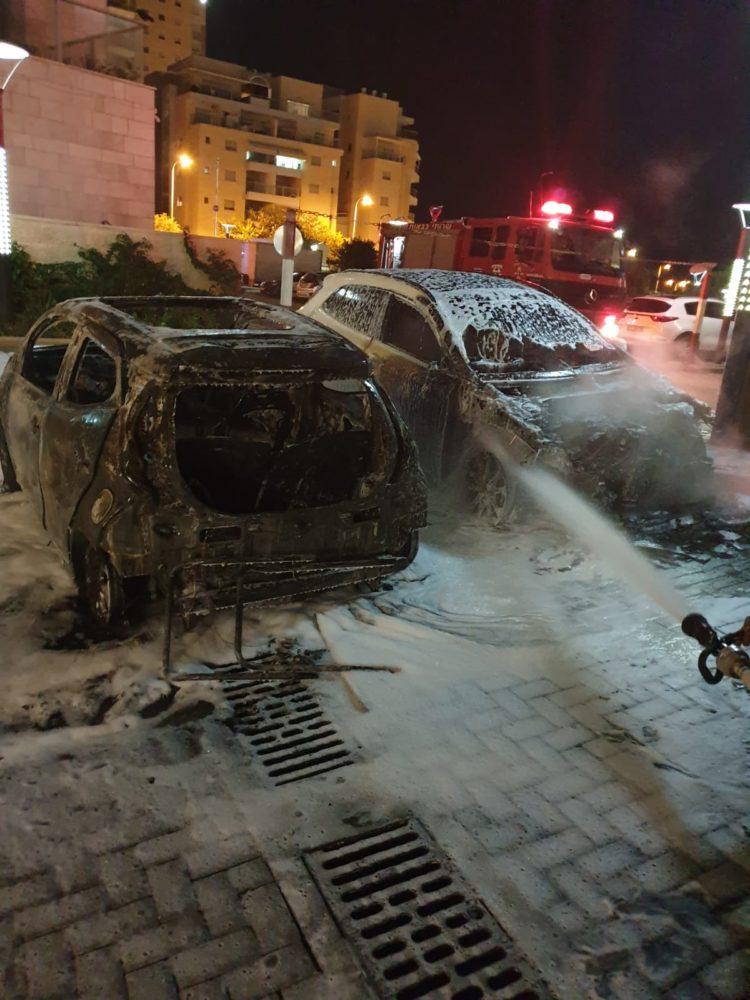 שריפת כלי רכב (צילום: כבאות והצלה)