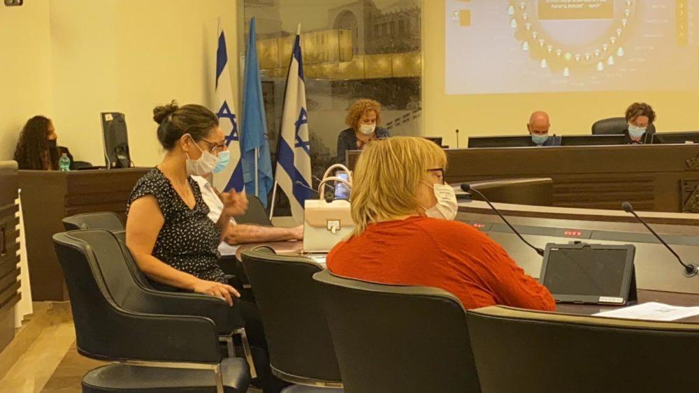 דיון במועצת העיר חיפה (צילום: מיכל ירון)