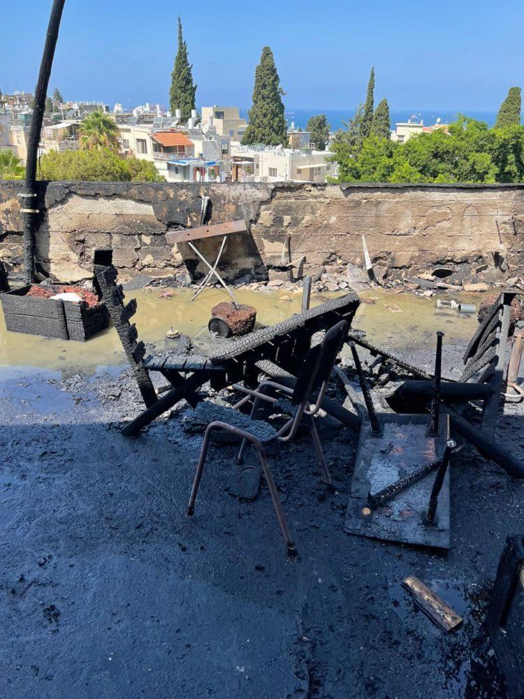 שריפת דירה בהלל בחיפה (צילום: כבאות והצלה)